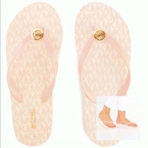 ✨SALE✨Michael Kors Signature Jet Set Sandals